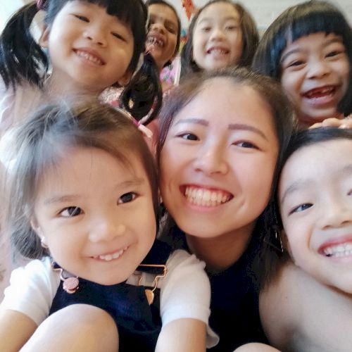 Jiayun - Chinese / Mandarin Teacher in Singapore: Hello everyo...