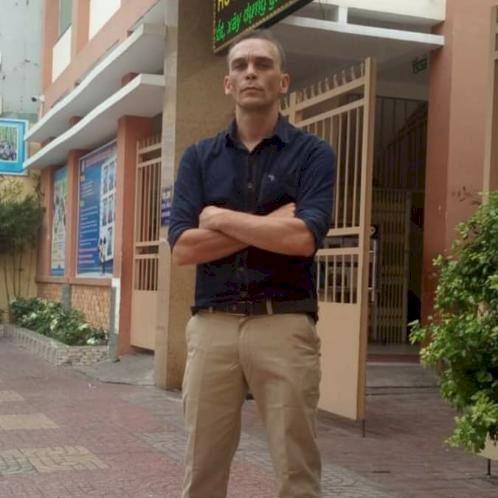 Jonny - Ho Chi Minh City: Hello everybody. My name is Jonny. I...