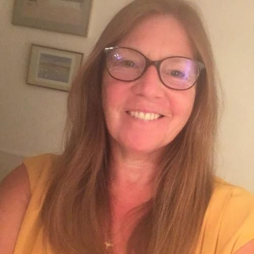 Julie - Bruxelles: I am an English mother tongue tutor with ov...