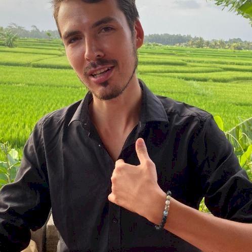Karim - German Teacher in Jakarta: 16 years ago I moved to Ger...