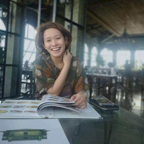 Katrina - Filipino Teacher in Stockholm: I'm Katrina. 26 years...