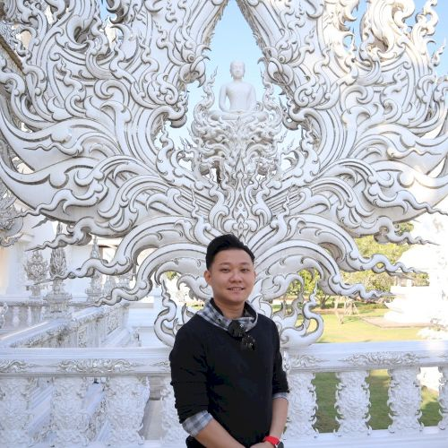 Kelvin - Chinese / Mandarin Teacher in Bangkok: I have prior e...