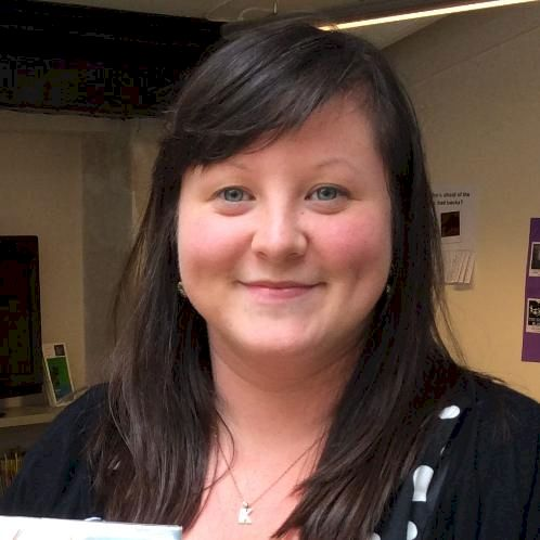 Kirsty - Paris: I am a qualified primary school teacher with m...