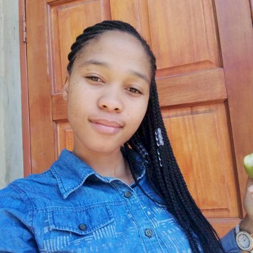 Komboshi - English Teacher in Pretoria: Hello, My name is Glad...