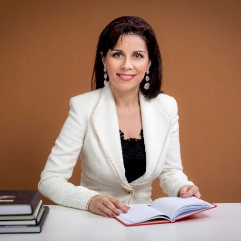 Krystina - Dubai: - I am a teacher with Ph.D. in economic fiel...
