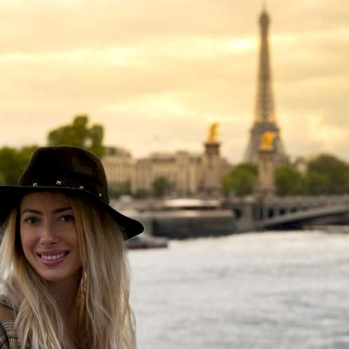 LEA - French Teacher in Hong Kong: My name is Lea and I am a F...