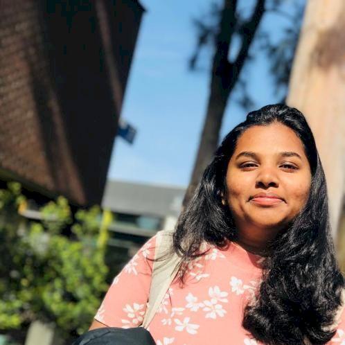 Lahini - Sinhala Teacher in Melbourne: I am Lahini. Originally...