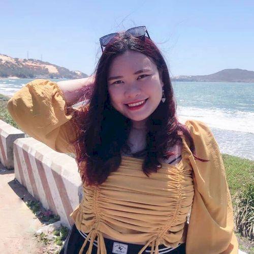 Lan - Vietnamese Teacher in Kuala Lumpur: Hi, my name is Lan. ...