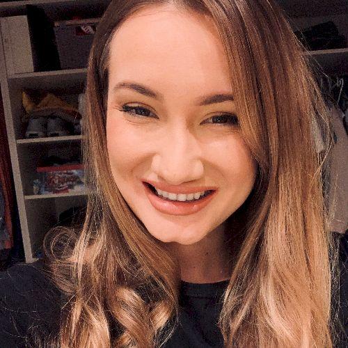 Laura - Romanian Teacher in Brisbane: Hello everyone! I'm a ...