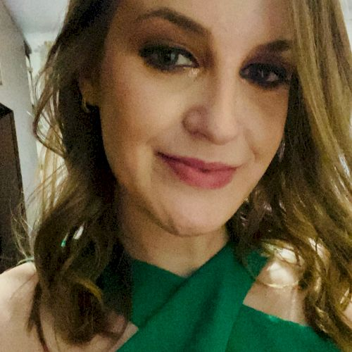 Laynara - Portuguese Teacher in Luxembourg: I have been teachi...