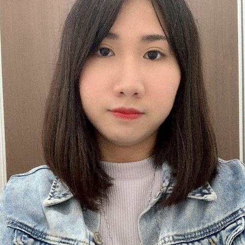 Lesley - Japanese Teacher in Kuala Lumpur: I studied at Osaka,...