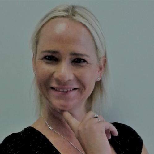 Liesel - Hanoi: I am a fun, enthusiastic teacher with a lot of...