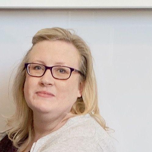 Lisa - English Teacher in Adelaide: I'm Australian with 8 ye...