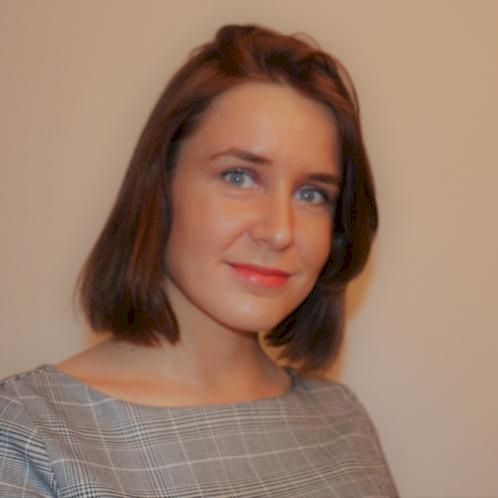 Liz - Stockholm: I have obtained academic and business English...