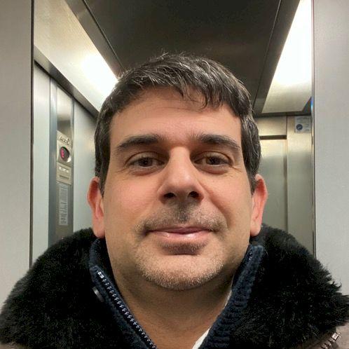 Luca - Riga: Italian language teacher, I have a university kno...