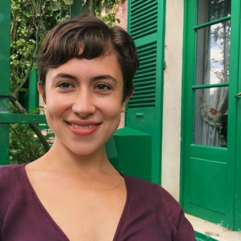 Lucia - Paris: Hello! My name is Lucia and I'm from Woodstoc...