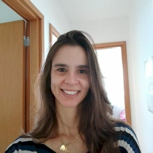 Lucy - Stockholm: I am a Brazilian person, and I love to read ...