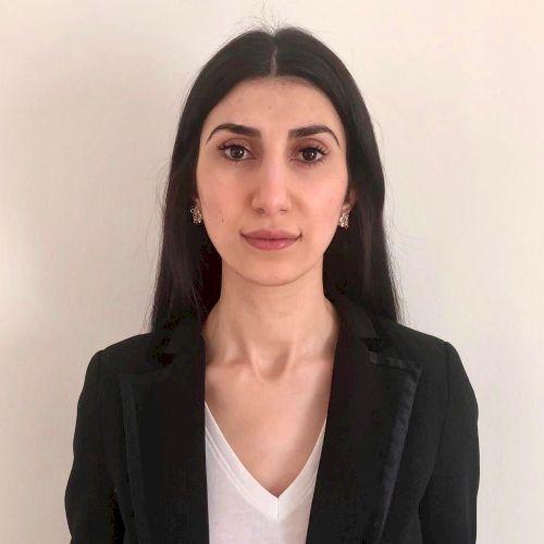 Luna - Arabic Teacher in Paris: I am a native Arabic speaker w...