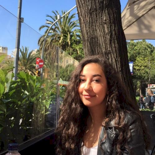 Maha - Barcelona: I was born in Dubai and lived there for 17 y...