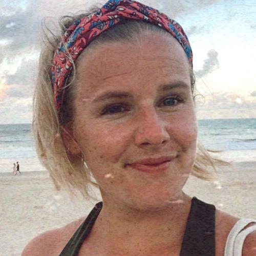 Manon - French Teacher in Gold Coast: Hi! I am Manon and I am ...
