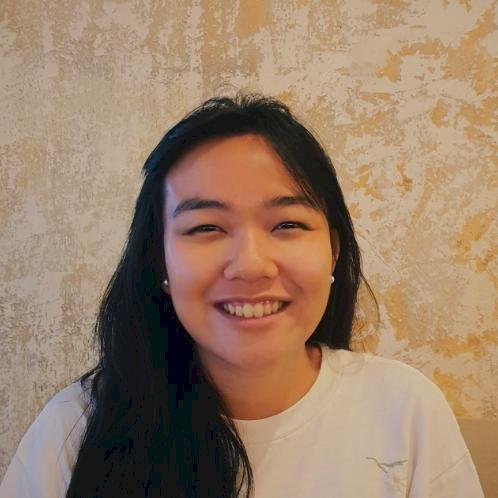 Marine - Singapore: Hello! I am a native English speaker with ...