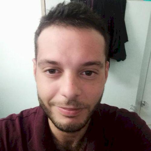 Mattia - Italian Teacher in Sydney: Hey guys I'm Matt, 32 year...
