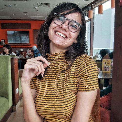 Menna - Arabic Teacher in Cairo: Hello everyone! My name is Me...