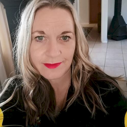 Michelle - Cape Town: I am currently busy completing my Tefl c...