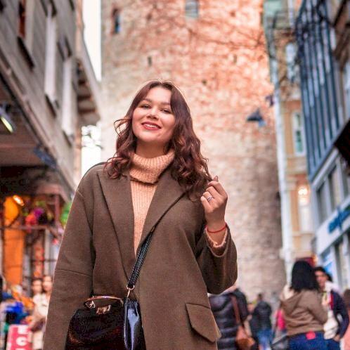 Milana - Russian Teacher in Istanbul: Educator with tutoring e...