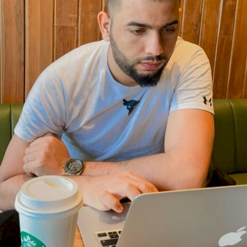 Mohamed - Lisbon: I am an Arabic funny man. I like to meet new...