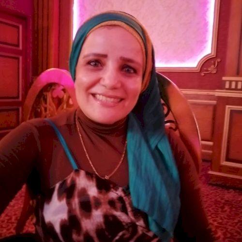 Mona - Arabic Teacher in Cairo: Hi,This Mona,Iwork as an Engli...