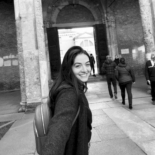 Mona - Arabic Teacher in Paris: Hi everyone! I am Mona. I ha...