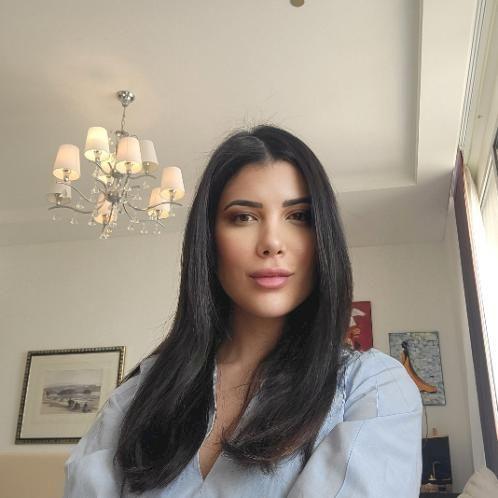 Mouna - Dubai: As a French teacher with more than 8 years expe...
