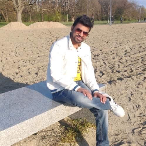 Mukesh - Berlin: I am fun loving guy from India. Who want to t...
