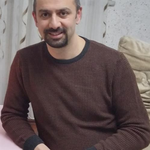 Murat - Istanbul: I'm an experienced English teacher. I have b...