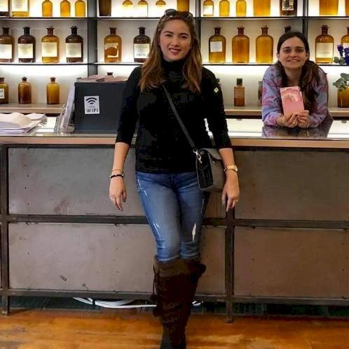 Myrssa - Paris: I am a Bi-lingual  English and Filipino-speaki...