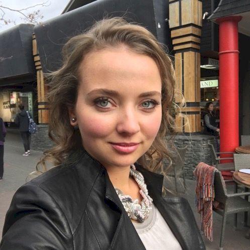 Natalie - Russian Teacher in Auckland: Hi my name is Natalie. ...