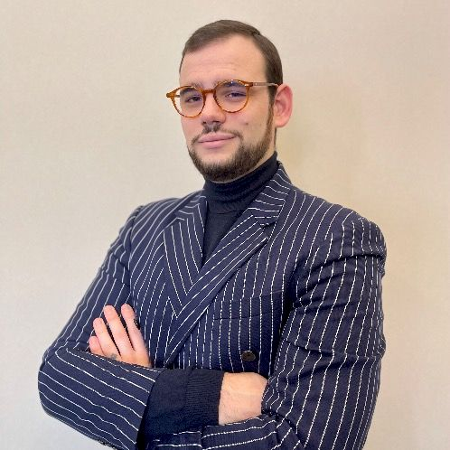 Nick - Kyiv: Born and raised in Milan. Lived my life among dif...
