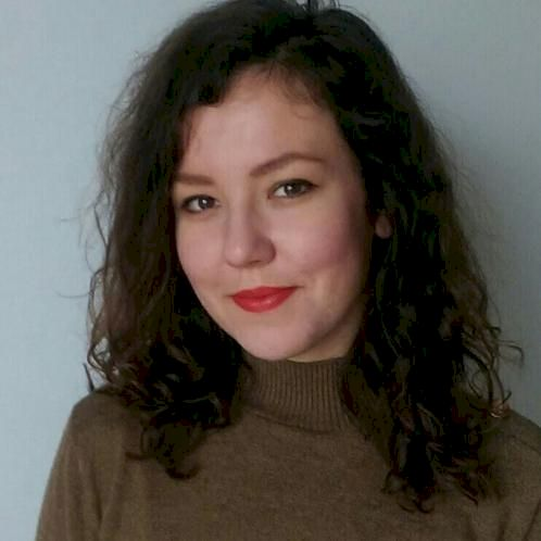 Nina - Prague: Hello! My name is Nina and I teach English at a...