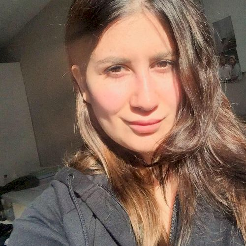 Nour - Arabic Teacher in Bruxelles: I am a young lady, complet...