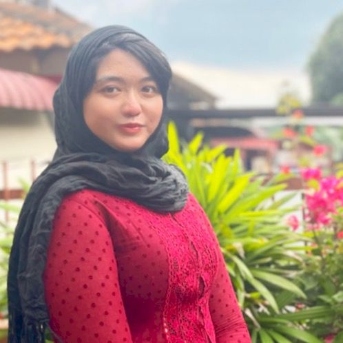 Nurul - Kuala Lumpur: (Only Available for Online Lessons) An e...