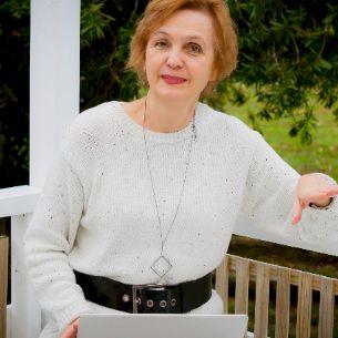 Olga - Russian Teacher in Auckland: Hi, my name is Olga. I spe...