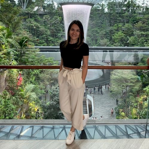 Olivia - English Teacher in Hong Kong: I have been tutoring En...