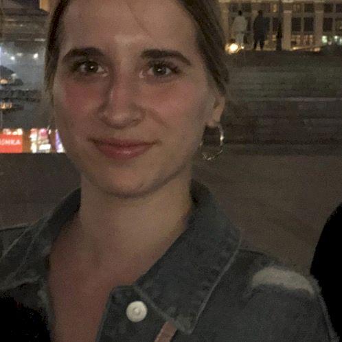 Paulina - Bratislava: Hi everyone! My name is Paulina and I te...