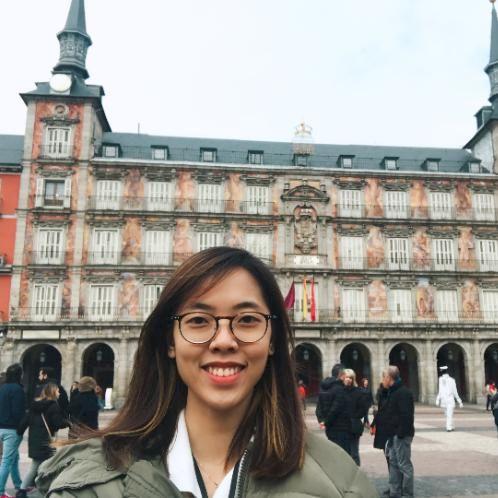 "Phuong - Vietnamese Teacher in Madrid: ""Vietnamese is one of t..."