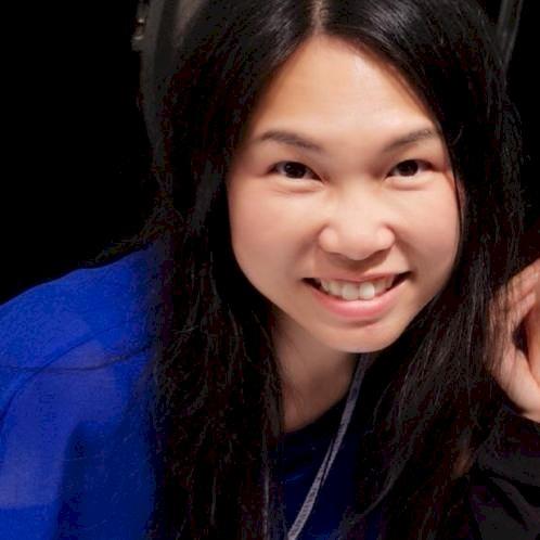 Phyllis - Hong Kong: I am a native Cantonese speaking Hongkong...