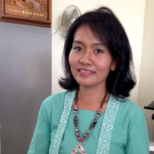 Putri - Indonesian Teacher in Jakarta: Hi, My name is Putri . ...