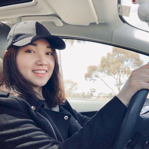 Quyen - Vietnamese Teacher in Melbourne: Hi everyone, I am Quy...