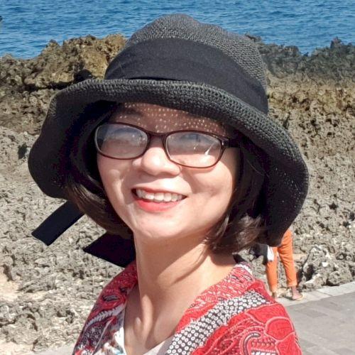 Quynh - Vietnamese Teacher in Kuala Lumpur: Hello! I am Quynh....