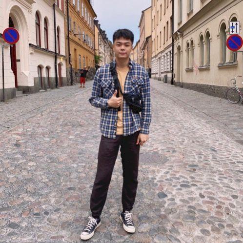 Ren - Chinese / Mandarin Teacher in Stockholm: I am a master s...